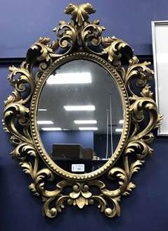 gilt-mirror-and-towel-rail